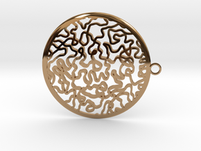 Circular timeless pendant in Polished Brass