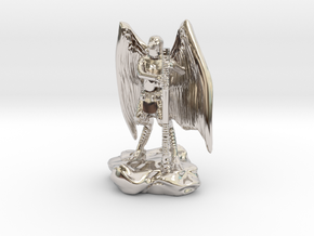 Aarakocra in Leather with Staff, Mace, & Crossbow in Platinum