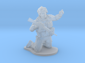 Modern soldier on knees esc: 1/64 (28 mm) in Smooth Fine Detail Plastic