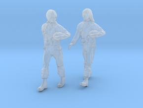 1/[72, 48, 32, 24] USAF 2X Female Pilots Walking  in Smooth Fine Detail Plastic: 1:32