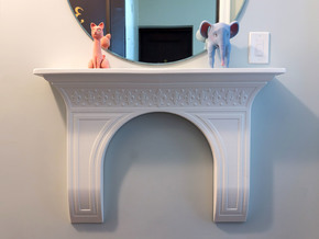 Fleur-De-Lis Entryway Mantle in White Natural Versatile Plastic
