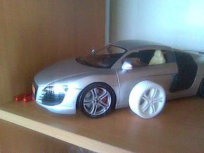 wheels R8 in White Natural Versatile Plastic