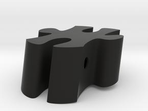 D7 - Makerchair in Black Natural Versatile Plastic
