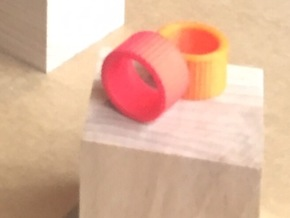 Ingranaggi Band Ring in Red Strong & Flexible Polished