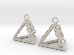 Pyramid triangle earrings serie 3 type 1 in Natural Sandstone