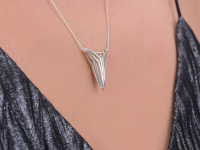 YOUNIVERSAL FIGURA Pendant. Sculpted Chic in Polished Silver
