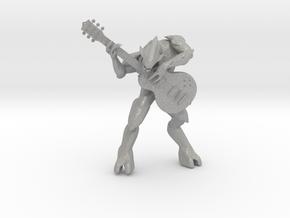 Halo Elite Playing Guitar in Aluminum: Medium
