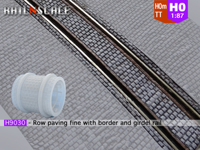 Row paving fine w/ border and girder rail (H0m) in Smooth Fine Detail Plastic