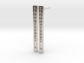 Bar Earring with Pattern of Carved Pyramids in Platinum