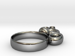 circle in Fine Detail Polished Silver