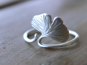 Ginkgo Leaf ring in Polished Silver: 7 / 54