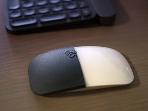 Magic Mouse snap-in half-cover in Black Natural Versatile Plastic