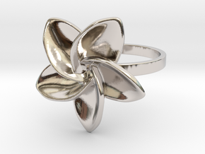 Frangipani Plumeria Ring - 18 mm in Rhodium Plated Brass