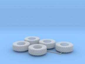 1:82,5 14.00 R20 Reifen 5er in Smooth Fine Detail Plastic