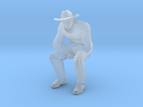 Man Sitting; Large Hat in Smooth Fine Detail Plastic: 1:48 - O