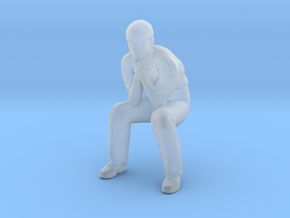 Man Sitting: Head Bandaged in Smoothest Fine Detail Plastic: 1:64 - S