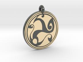 Celtic Spirals - Round Pendant in Glossy Full Color Sandstone