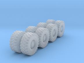 N LRG 8' Const. Vehicle Wheels/Tires in Smooth Fine Detail Plastic: 1:160 - N