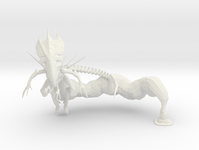 Queen Xeno - Variation 2 in White Natural Versatile Plastic: 15mm