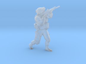 Soldier 4 no base (1:64 Scale) in Smooth Fine Detail Plastic