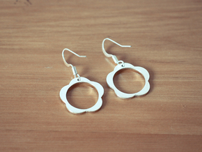 Flower Earrings in Polished Silver