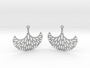GT Earrings in Natural Silver