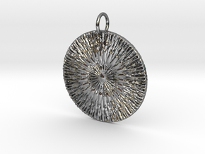 Spirits Alive Starburst Pendant in Fine Detail Polished Silver: Large