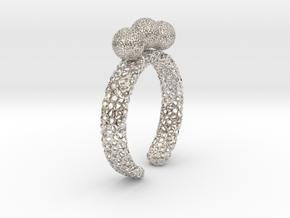 voronoi fidget ring. Size 7 18.92 mm with three sp in Platinum