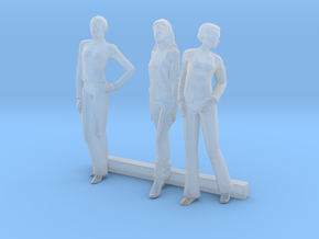HO Scale Women 3 in Smooth Fine Detail Plastic