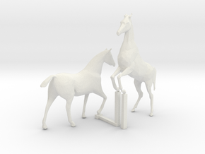 S  Scale Horses 4 in White Natural Versatile Plastic