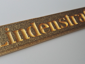LINDENSTRAßE keychain in Polished Gold Steel