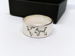World Map Ring in Natural Silver: 5 / 49
