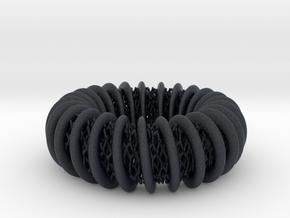 coiling torus around lattice structure ring in Black PA12: 7 / 54