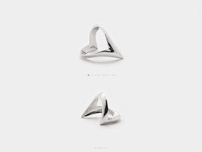 Wishbone Ring .Silver Point V Shape Chevron Band in Polished Silver: 6 / 51.5