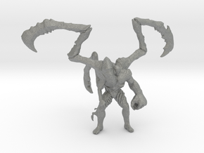 Resident Evil Parasite Super Tyrant 80mm miniature in Gray PA12