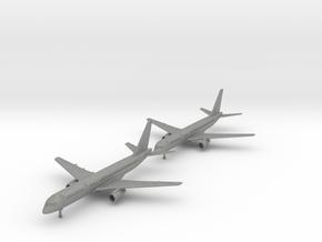 757-200 w/gear x2 (PA12) in Gray PA12: 1:700