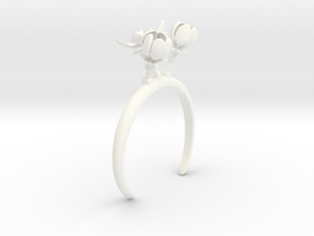 Apple bracelet with three large flowers in White Processed Versatile Plastic: Medium
