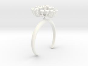 Fennel bracelet with one large flower in White Processed Versatile Plastic: Medium