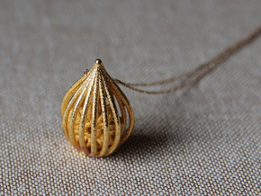 """""""From Russia with love"""" pendant in 14k Gold Plated Brass"""