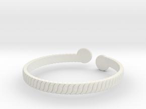 Simple Braided Bracelet -v1b in White Natural Versatile Plastic