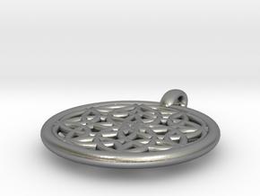 Metis pendant in Natural Silver
