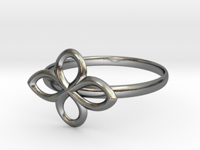 Flower Ring in Polished Silver