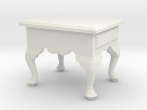 1:24 Queen Anne End Table, Short in White Natural Versatile Plastic