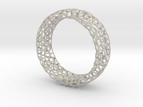 Voronoi Ring in Natural Sandstone