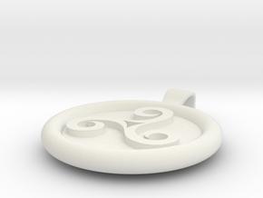Triskell Round Pendant in White Natural Versatile Plastic
