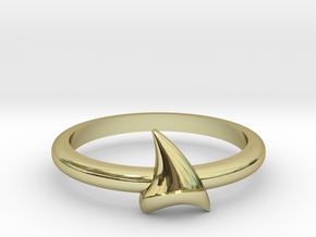 Shark Teeth in 18k Gold