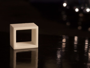 1:24 Atelier Side Table in White Natural Versatile Plastic