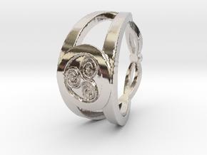 Triskelion insignia ring Ring Size 7 in Platinum