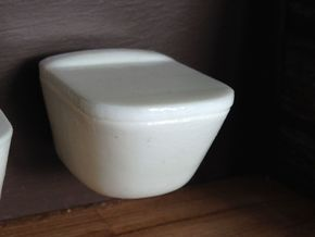1:12 Toilet with lid, wall-hung in White Strong & Flexible Polished
