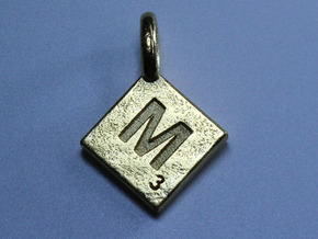 SCRABBLE TILE PENDANT  M in Polished Gold Steel